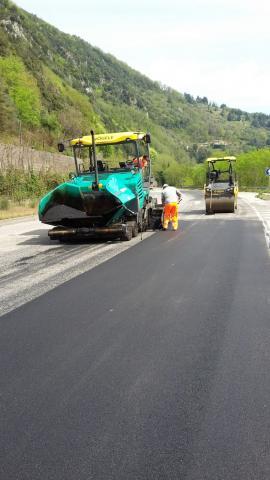I lavori cominciati a Borgo a Mozzano sulla sp 2 Lodovica