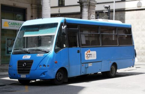 un mezzo di Ctt nord per il trasporto studenti