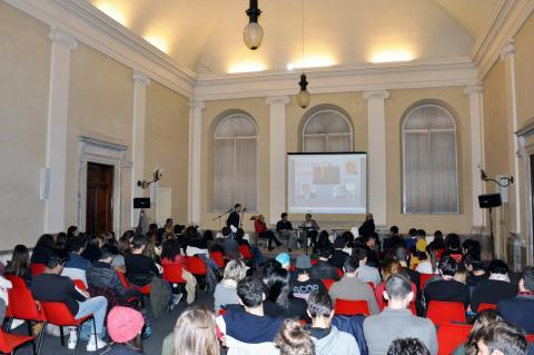 la sala Tobino gremita di studenti