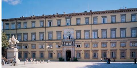 la facciata del Palazzo della Provincia di Lucca