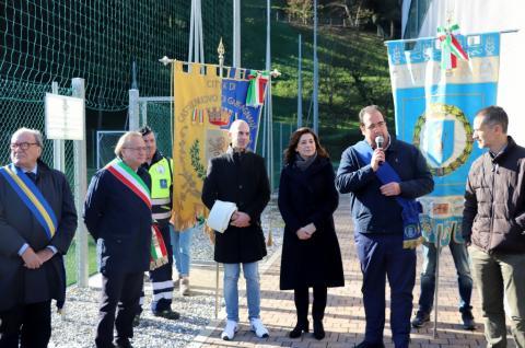 un momento dell'inaugurazione mentre parla Andrea Carrari