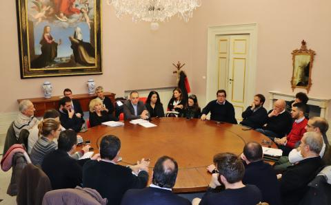 Un momento del confronto tenutosi a Palazzo Ducale