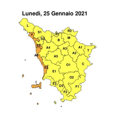 la cartina della Toscana con le zone di allerta arancio e gialla