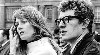 Immagine di copertina del libro Le braccia al collo - Amore e politica nel '68