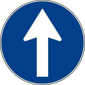 Cartello stradale indicante il senso di marcia