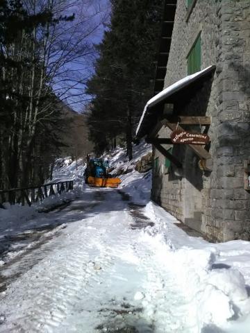 il tratto di sp 56 di fronte al rifugio Casentini