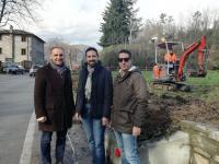 Il presidente della Provincia di Luca Menesini e il sindaco di Pescaglia Andrea Bonfanti