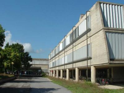 Un'ala dell'istituto Fermi a S. Filippo