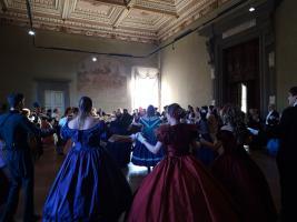 Danze risorgimentali nella Sala Staffieri di Palazzo Ducale
