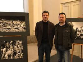 """Inaugurazione Mostra """"Gitani e Dintorni"""" 2 - Poletti Luca, Consigliere Provinciale - Maurizio Marco Tozzi, curatore della mostra"""