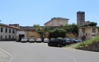 L'ex Cavallerizza Ducale vista dall'omonima via