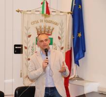 il presidente Menesini durante la presentazione