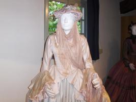 Manon Lescaut - in convento - particolare dell'abito
