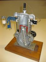 Modello di motore 4 tempi