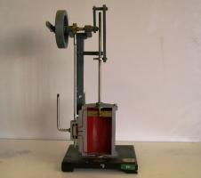 Modello sezionato di un motore a vapore