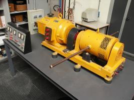 Motore accoppiato a generatore in corrente continua